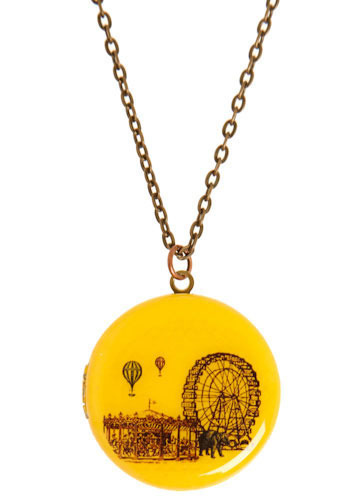 Ferris wheel locket