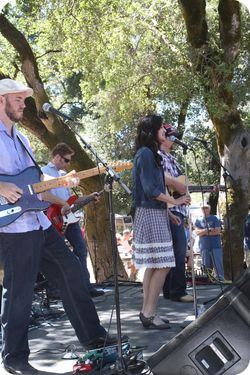 Apple fair band