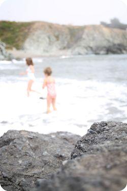 Ocean bokeh girls in ocean