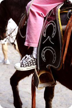 Converse horse