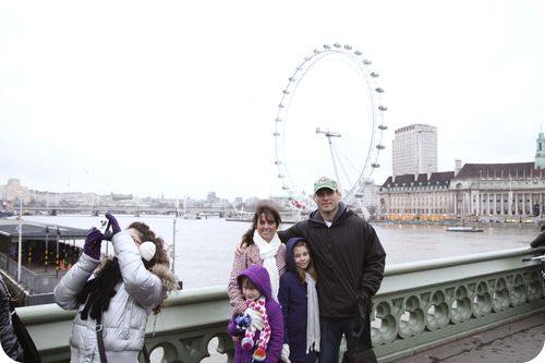 London eye family bridge