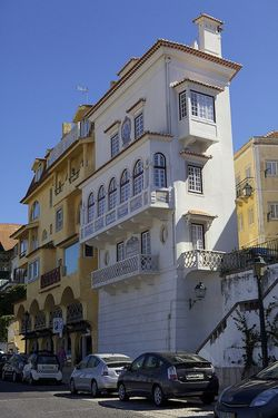 Portugal cascais tall house
