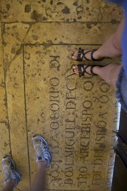 Portugal feet in SM church
