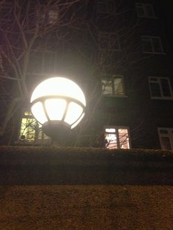 London 13 bubble light