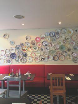 London 13 bluebird plates