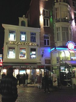 London 13 Am pancake corner