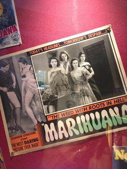 London 13 AM marihuana sign