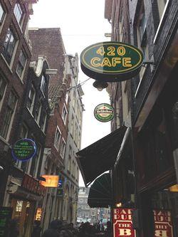 London 13 420 cafe