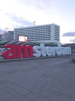 London 13 amsterdam sign