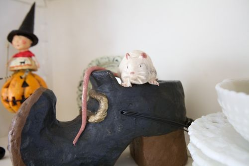 Halloween shoe mouse