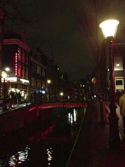 London 13 Am red light bridge